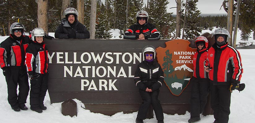 yellowstone-snowmobile-tours-slideshow-3